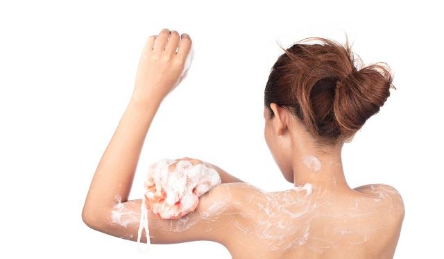 身体を洗う